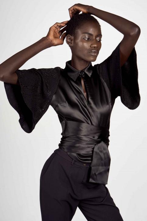 Astrid Black Label Blouses (korte mouwen) zwart ABL202WT 021_BLACK img1