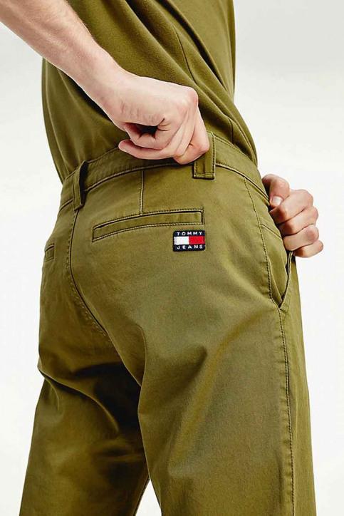 Tommy Jeans Chino's groen DM0DM06518L8Q_L8Q UNIFORM OLI img4