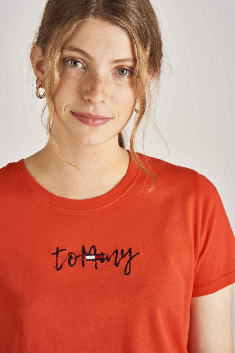 Tommy Jeans T-shirts (korte mouwen) rood DW0DW06710_667 FLAME SCARL img4