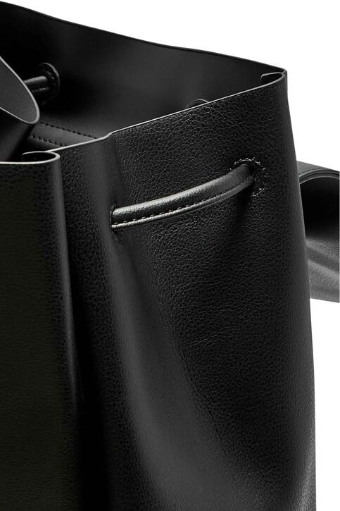 ONLY® Sacs à dos noir 15184048_BLACK img3