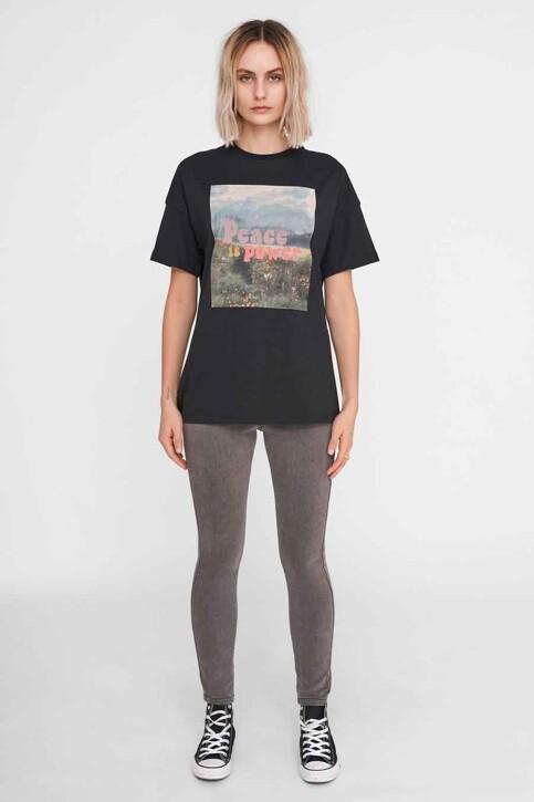 NOISY MAY T-shirts (korte mouwen) zwart 27016251_BLACK FRONT PRI img2