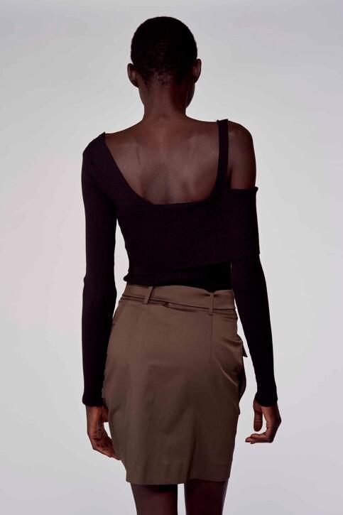 Astrid Black Label Truien (offshoulder) zwart ABL211WT 040_BLACK img3