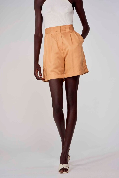 Astrid Black Label Shorts beige ABL213WT 004_ICED COFFEE img1