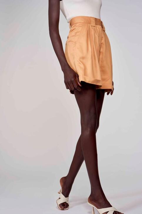 Astrid Black Label Shorts beige ABL213WT 004_ICED COFFEE img3